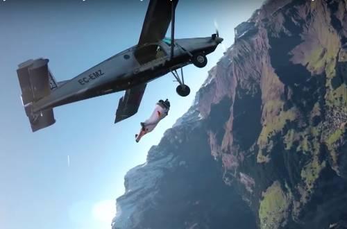 wingsuit airplane