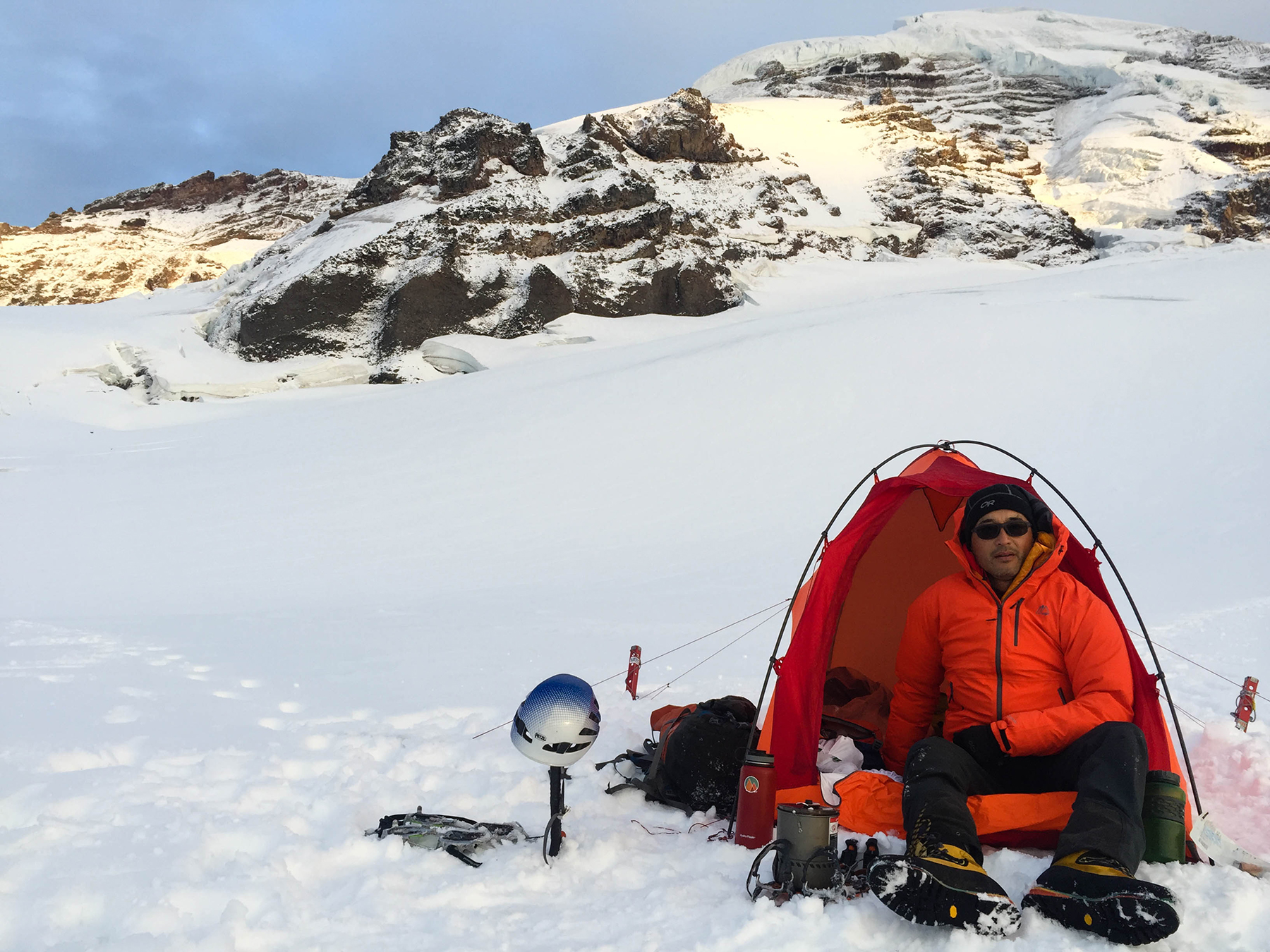 msr advance pro 2 tent on mount baker  sc 1 st  GearJunkie & Pitch on a Ledge: MSR Advance Pro 4-Season Tent Review