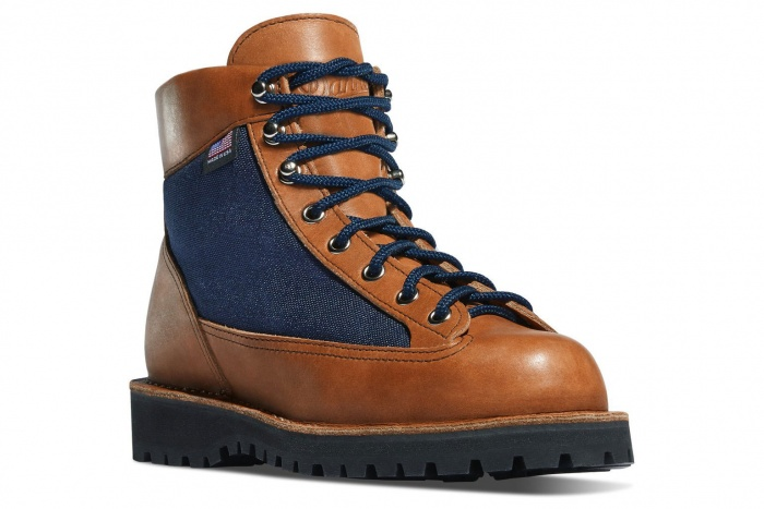 danner cascade light boot
