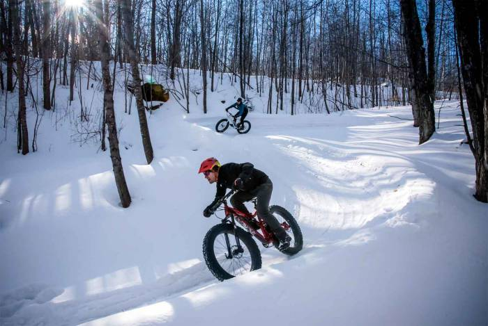 Fat bikers shred groomed singletrack in Marquette, Mich.