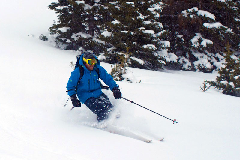 6716384b6d Avoid Knee Injuries While Skiing: Tips to Keep You Healthy   GearJunkie