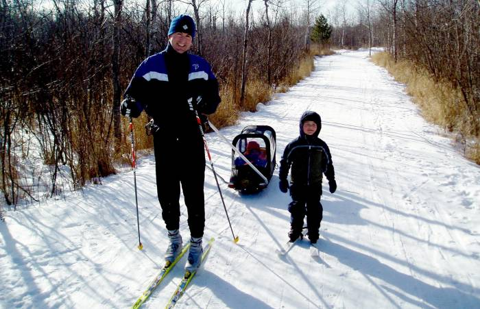 cross country skiing with children and pulk