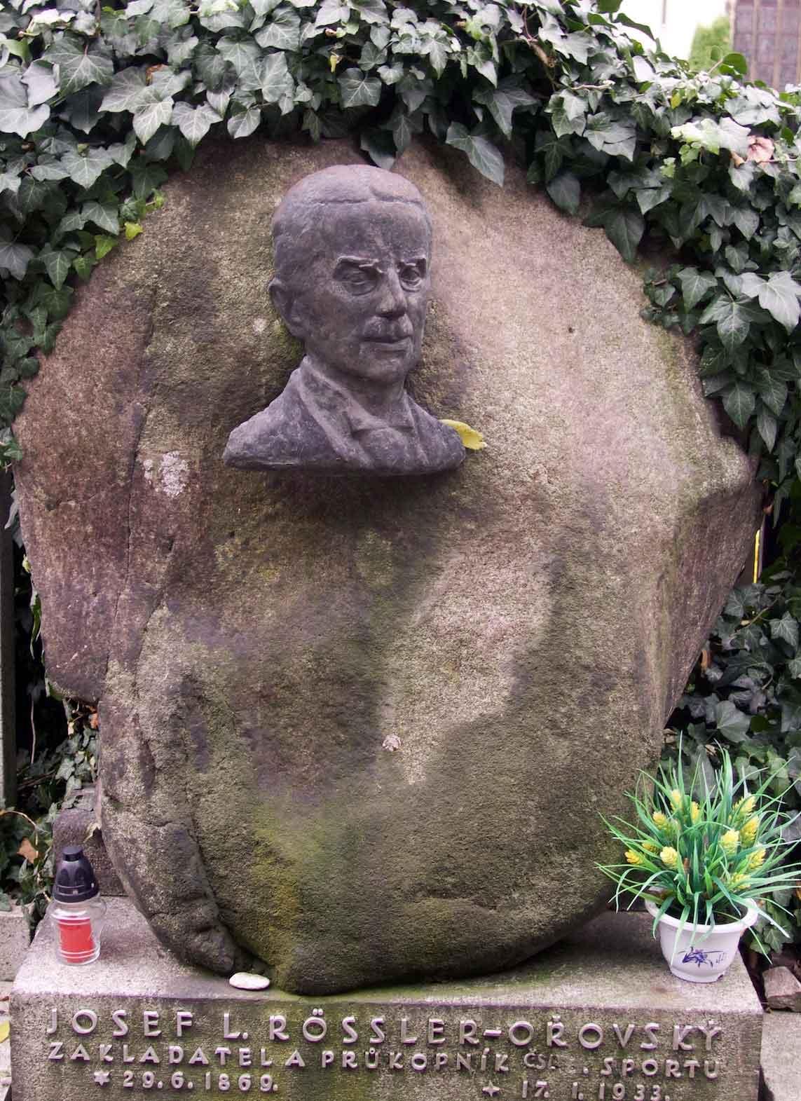 Gravestone of Josef Rössler-Ořovský