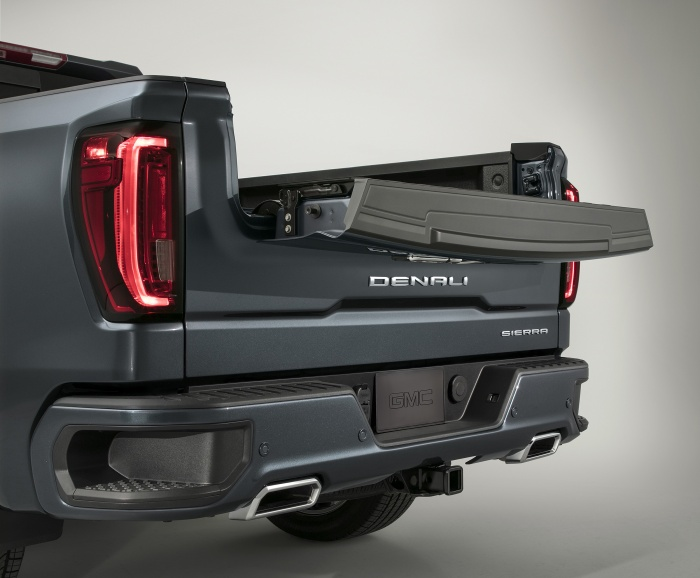 2019 GMC Sierra Denali MultiPro tailgate, inner gate with work s