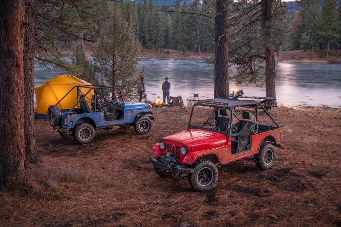 jeep Mahindra Offorad ROXOR parked campsite