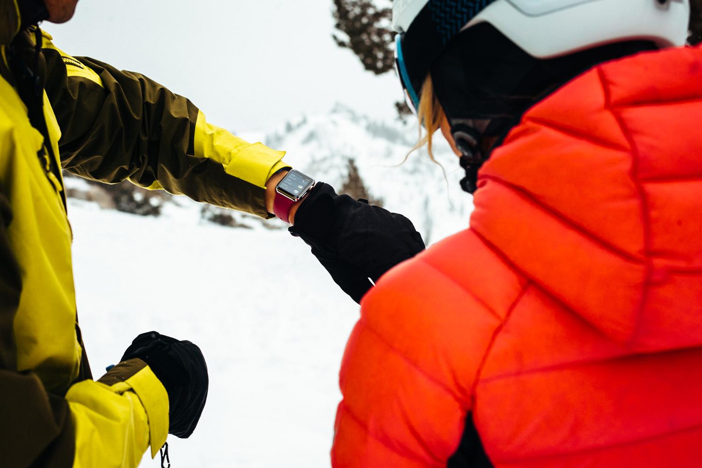 apple watch skiers
