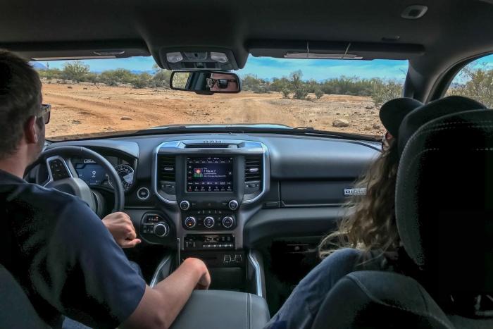 2019 dodge ram 1500 cockpit