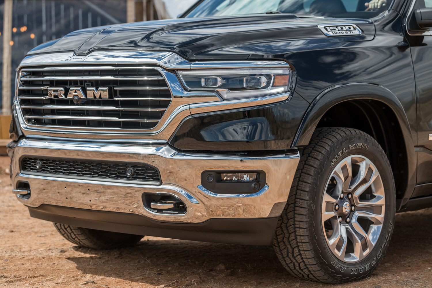 2019 ram 1500 review bigger everything gearjunkie. Black Bedroom Furniture Sets. Home Design Ideas