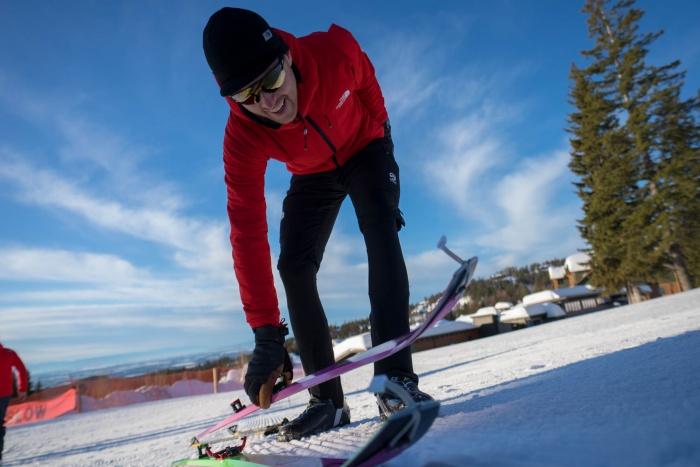 Mike Foote Breaks Ski record 24 hours 61,200 feet