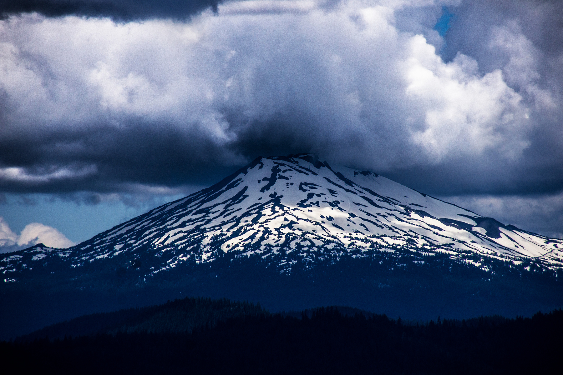2 Die in Tree Wells on Mt. Bachelor in Same Day
