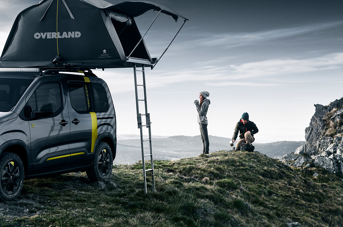 e mtb rooftop tent outfit peugeot 4 4 concept gearjunkie. Black Bedroom Furniture Sets. Home Design Ideas
