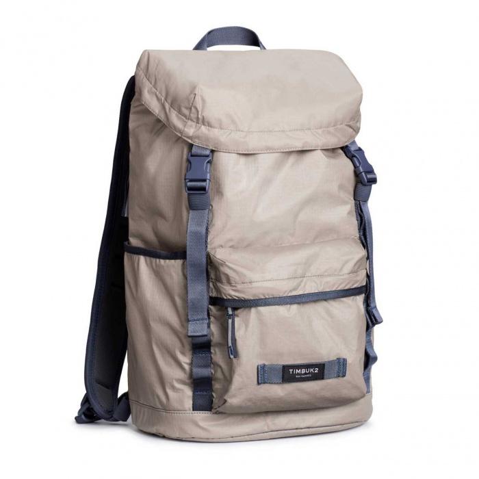Emerging Gear  Tyvek Backpack   2018-03-01   GearJunkie 55578b3abf
