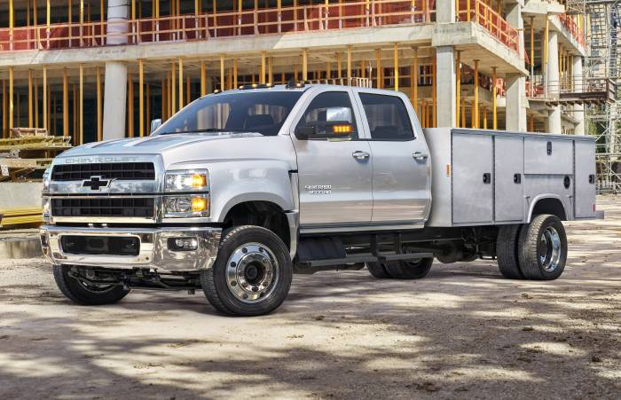 Photo Sleuth: Chevy's 2020 Silverado Teaser Dissected ...