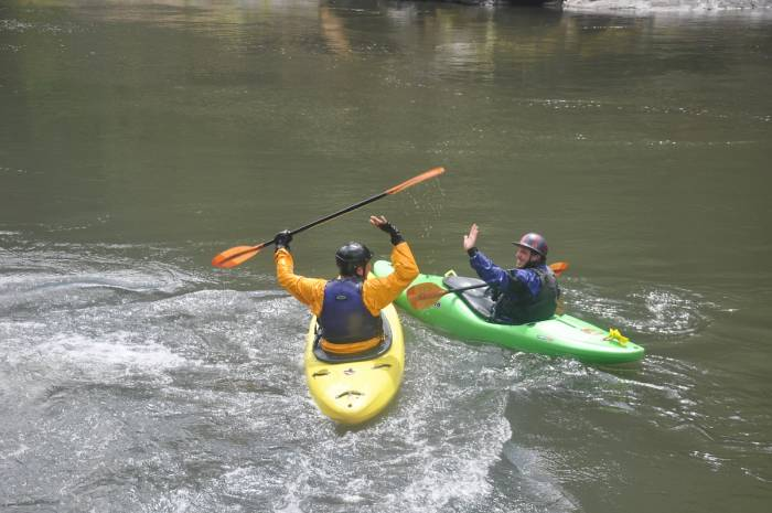 How to become a Kayak instructor