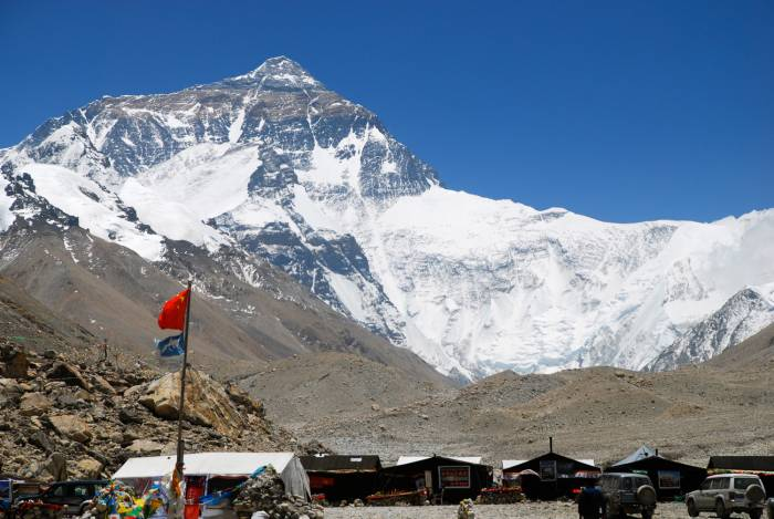 mt everest north face base camp