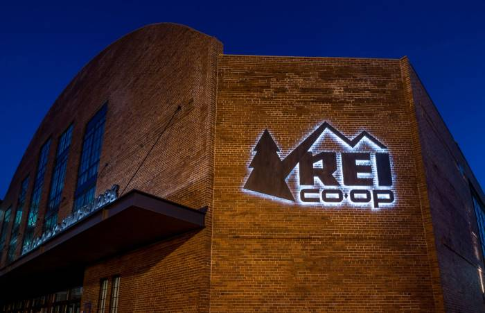rei store sign night