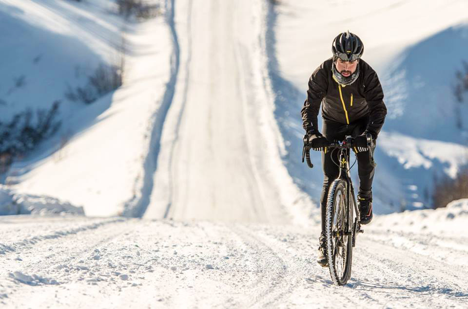 Winter Cyclist crushing uphill