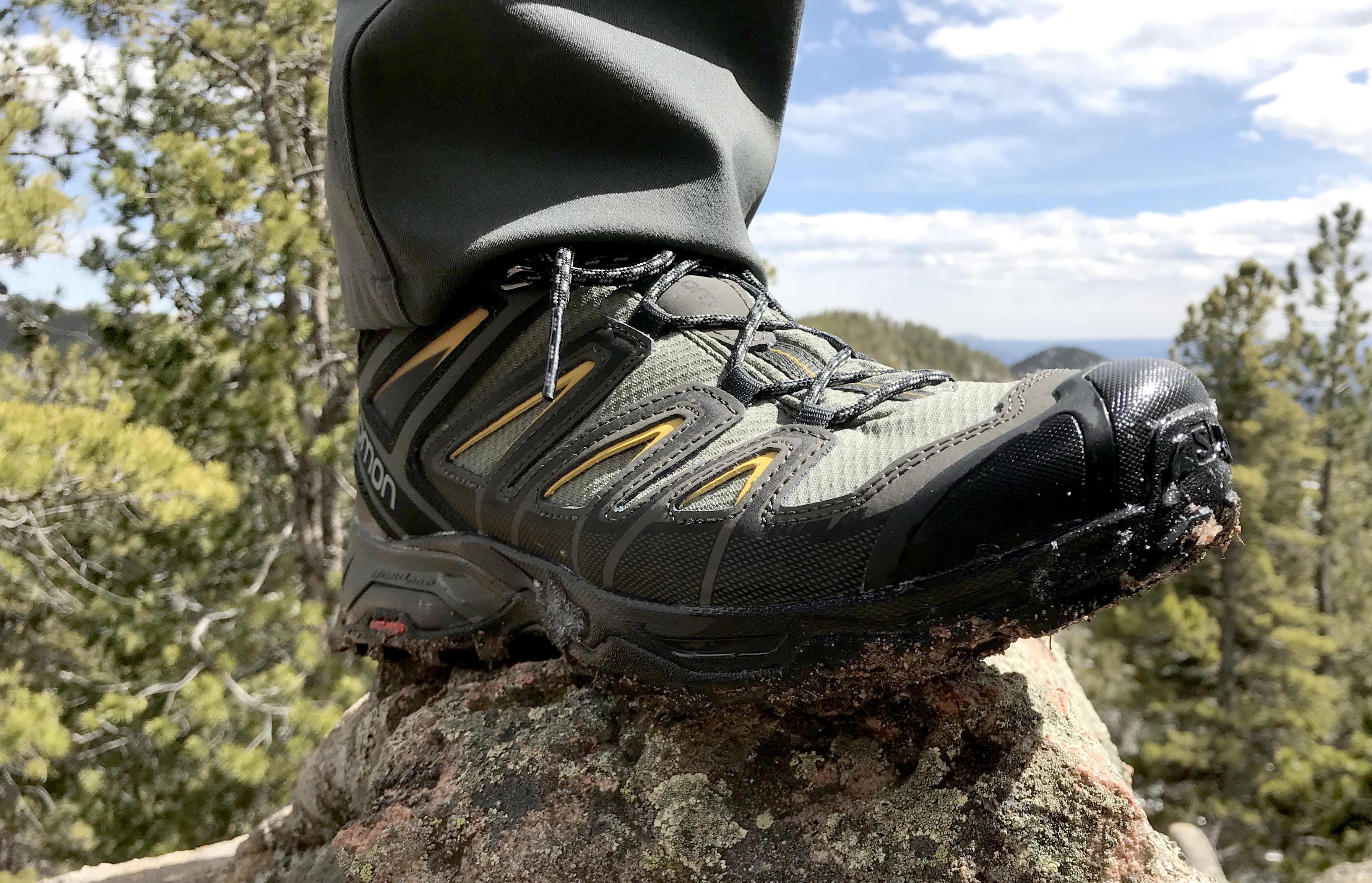 pretty nice e5dd4 d3e46 Awesome Hiking Boot: The Salomon X Ultra 3 Mid GTX | GearJunkie