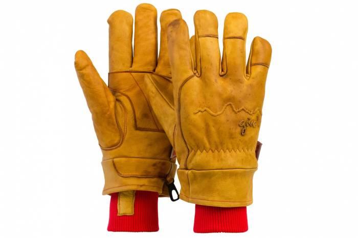 giver glove