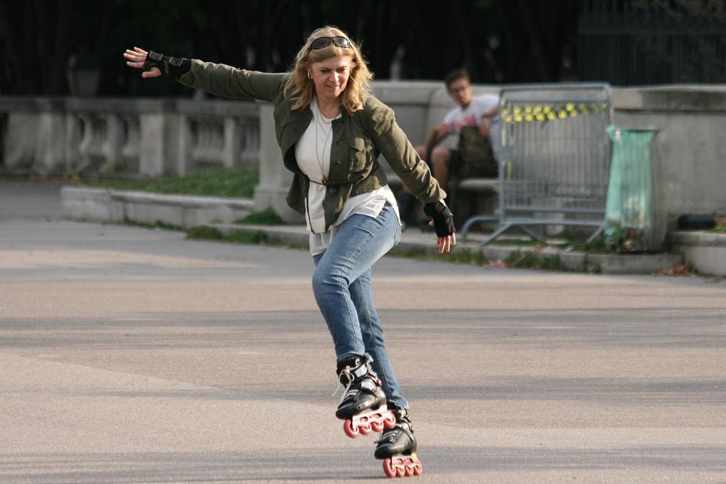 Thundrblades  Electric Skates Throttle Your Feet 25 MPH  728a8c8005b