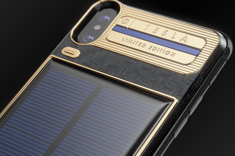 شارژ کردن آیفون X با استفاده از نور خورشید