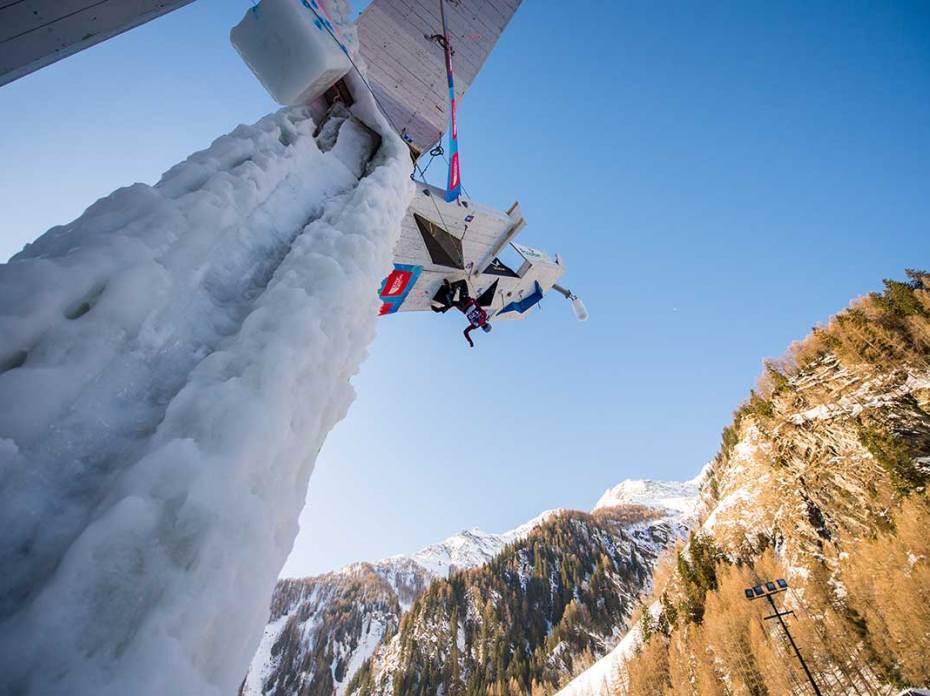 Denver Hosts 2019 UIAA World Cup Ice Climbing