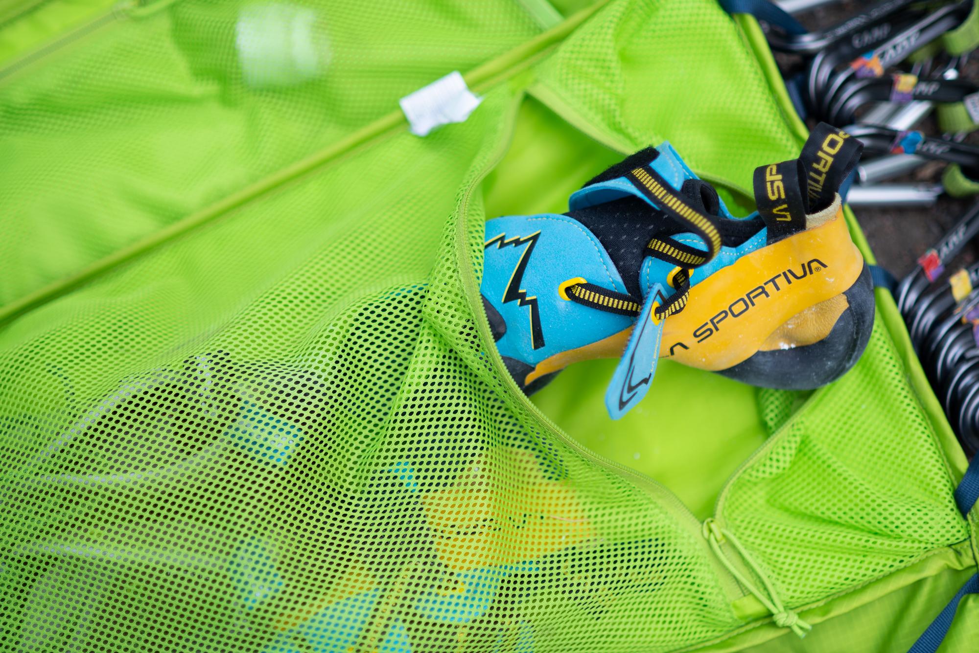 cb0fb084d6 Inside-Out Climbing Pack  Mammut Neon Smart Review