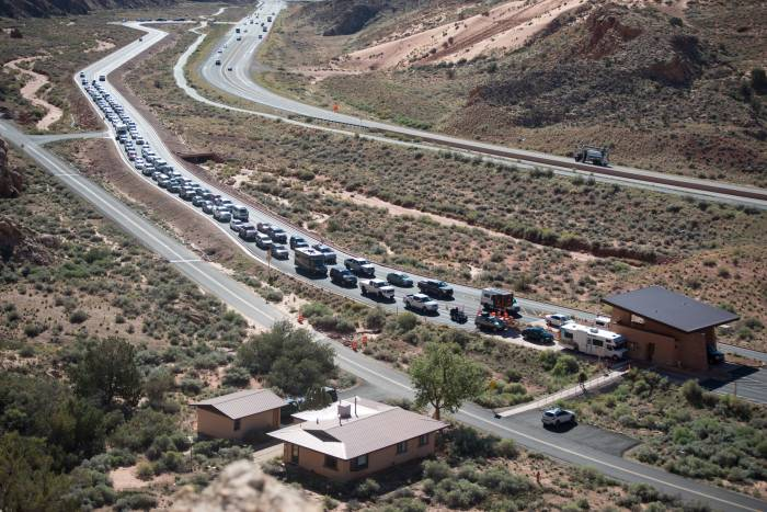 traffic congestion at arches national park