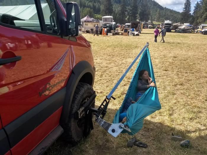 Car Mounts GJ_Tire-Mount-w-Hammock-700x525