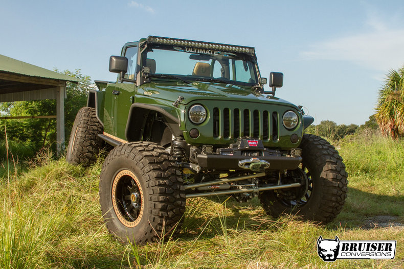 Build the V8 Jeep Truck of Your Dreams | GearJunkie