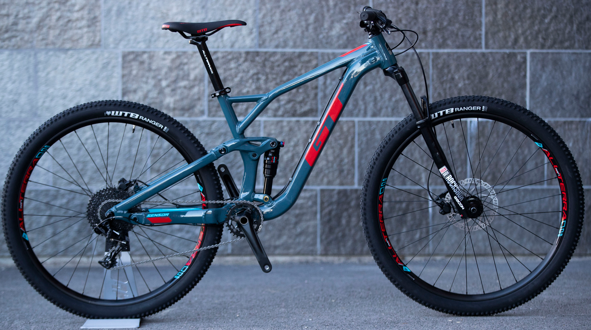 GT Redesigns Force, Sensor Mountain Bikes for Customization