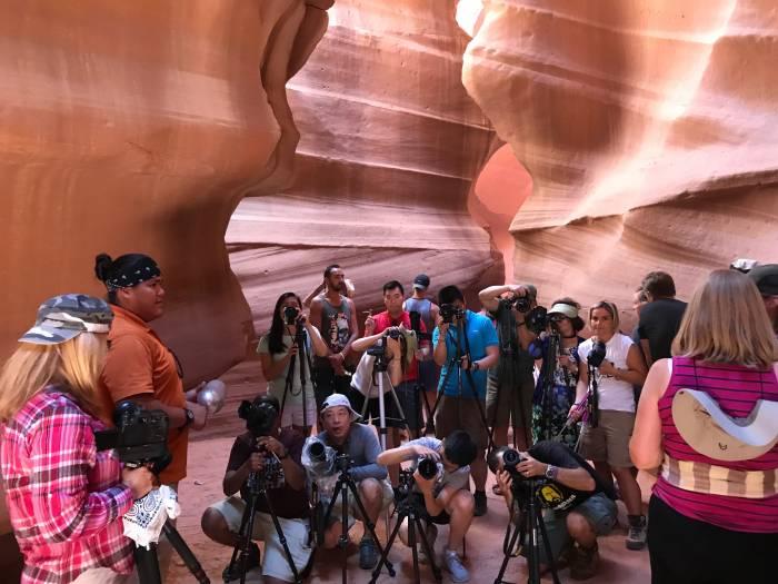 antelope canyon crowds