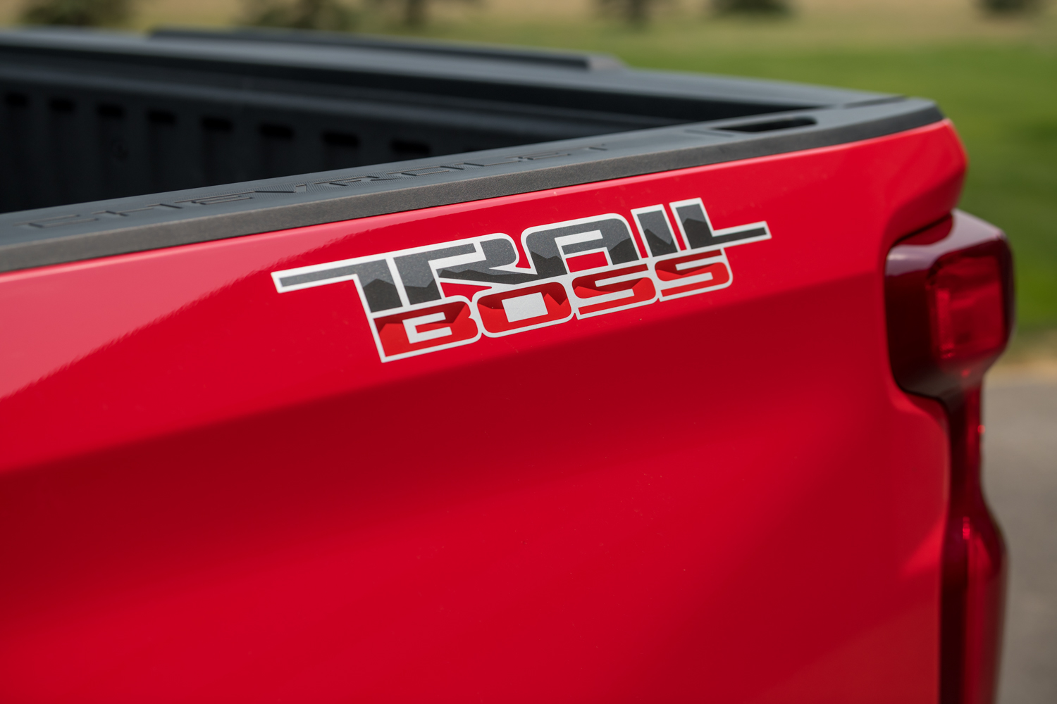 First Drive: 2019 Chevrolet Silverado 1500 Trail Boss Review