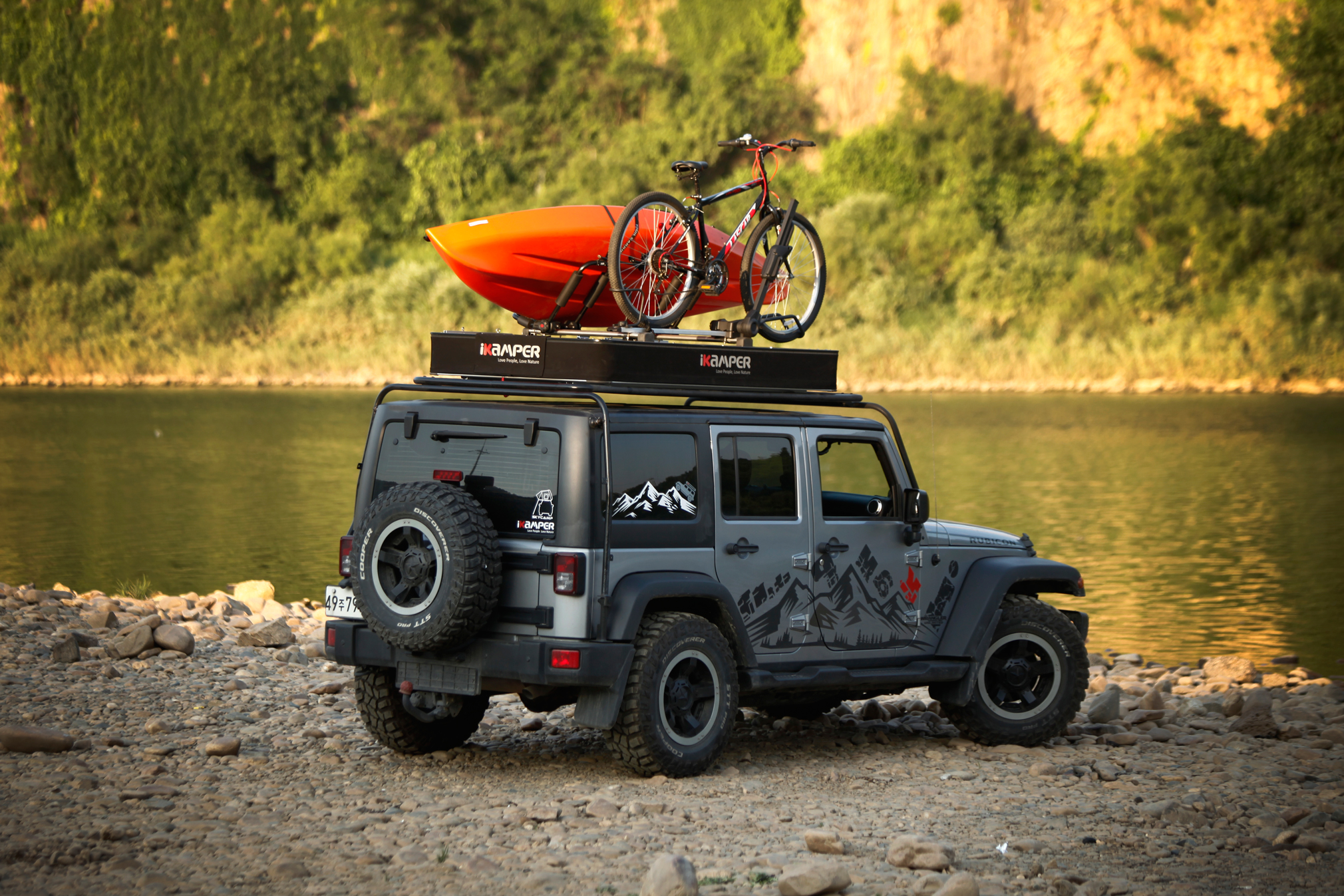 Hard Shell Soft Top Ikamper Unveils X Cover Rooftop Tent
