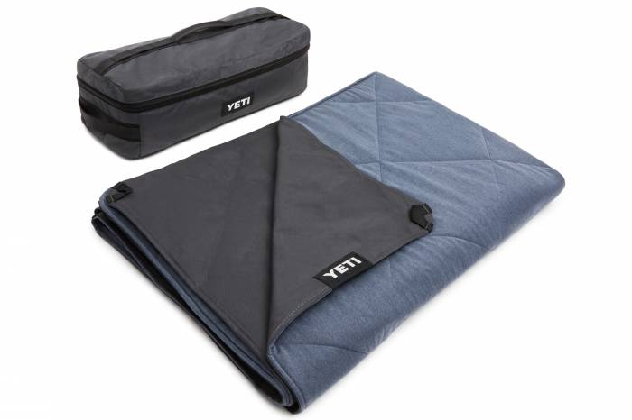 YETI Lowlands camp blanket