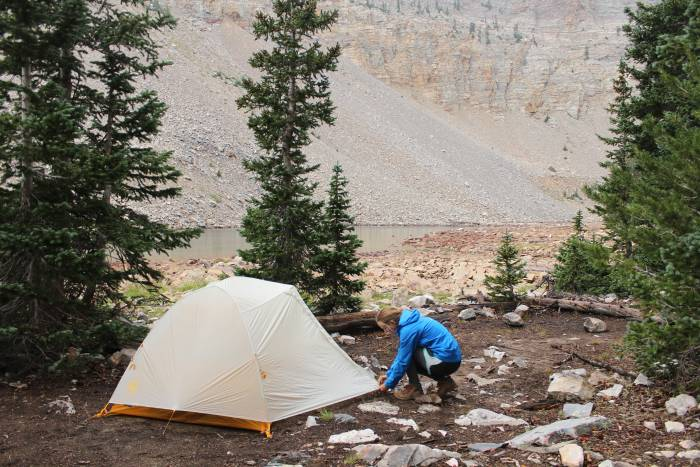 zipping up a tent big agnes tiger wall ul2 tent