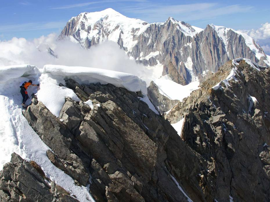 Watch Dani Arnold Speed Climb 4000-foot Grandes Jorasses Ropeless