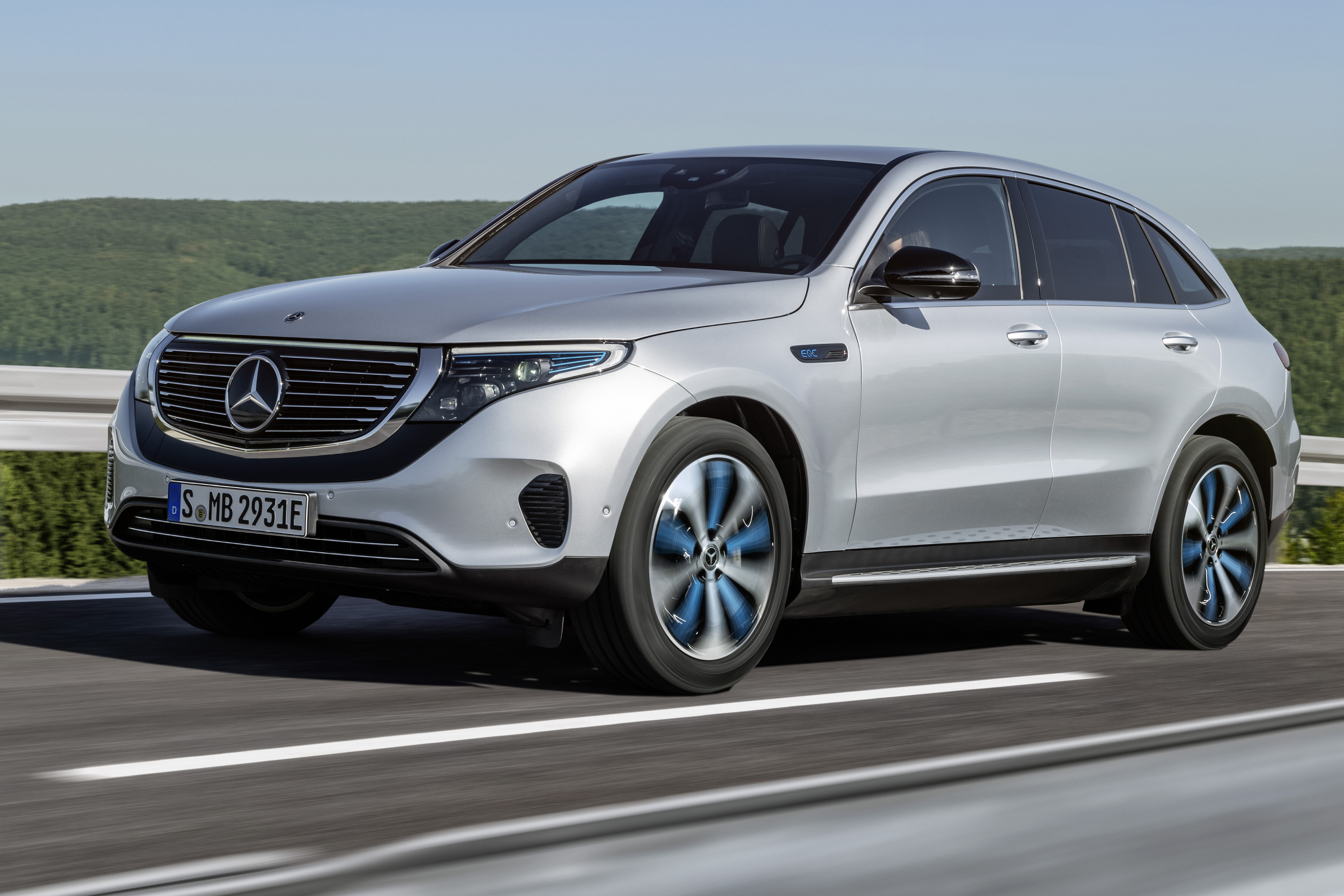Mercedes Benz Debuts Electric Suv For 2020 Gearjunkie