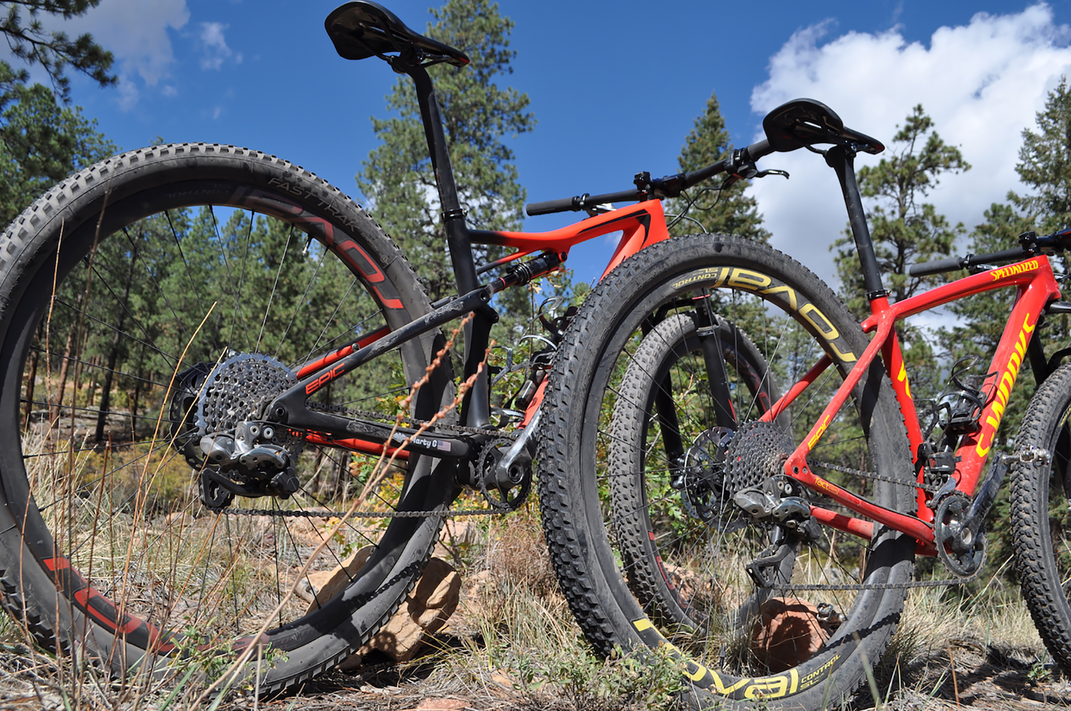 f320c27b86e1 Hardtail vs. Full-Suspension: Mountain Bike Smackdown | GearJunkie