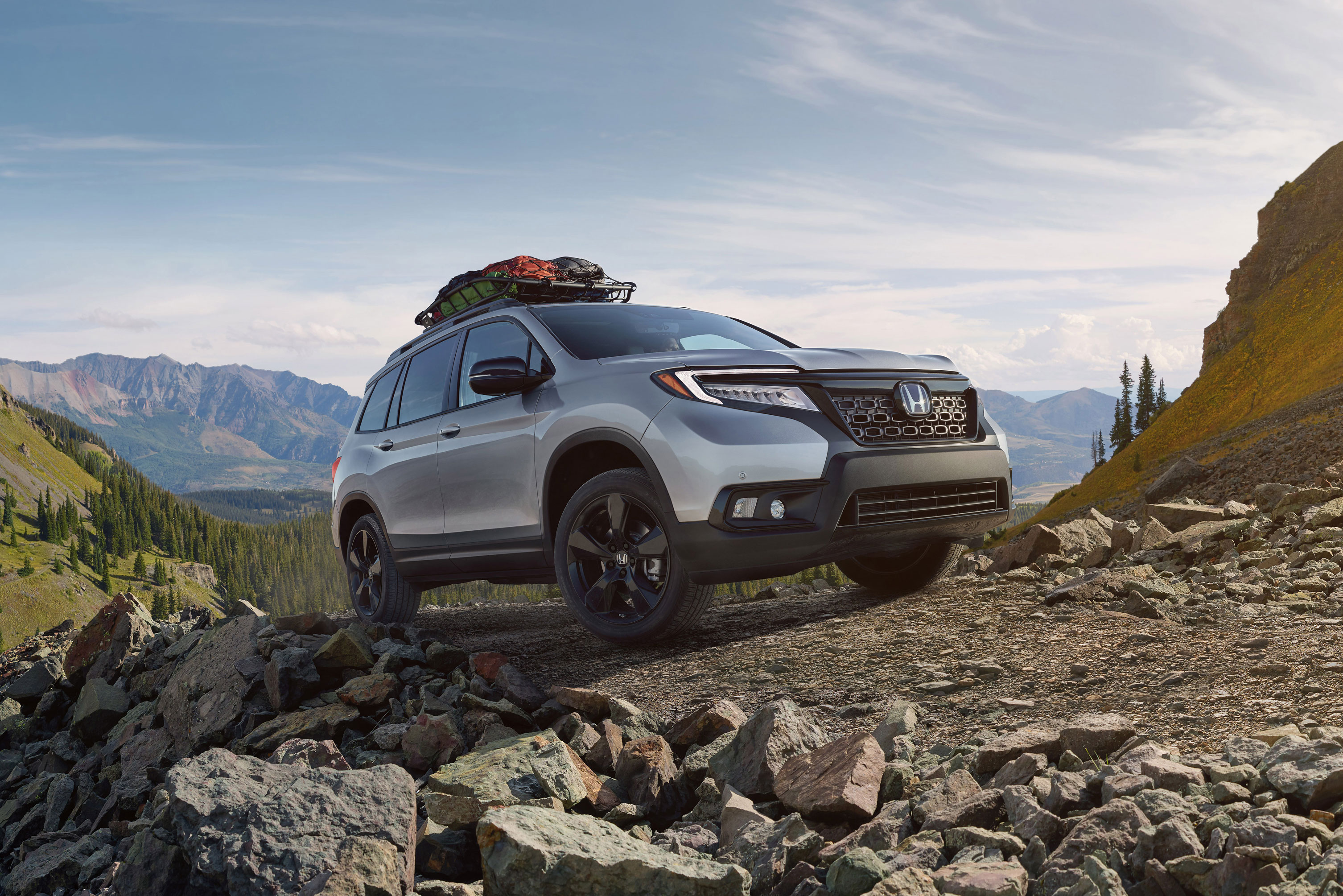 2019 Honda Passport with accessory roof rack