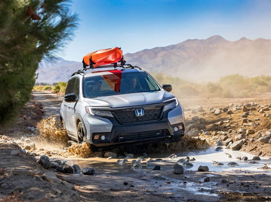 2019 Honda Passport with accessory roof rack running boards and fender flares