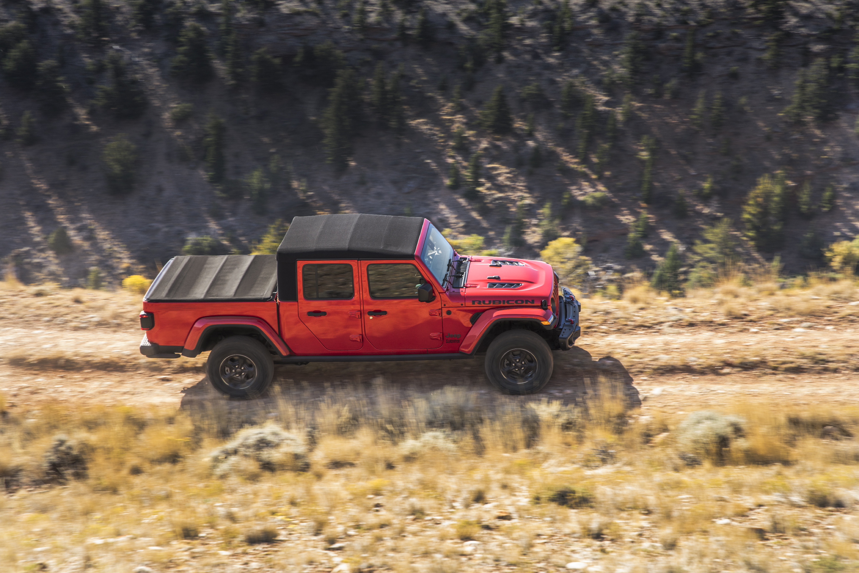 2020 Jeep Gladiator: The Solid-Axle, Open-Air Truck of ...