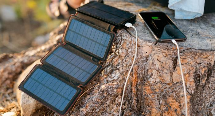 Adventure Frog QuadraPro Solar Charger - Camping Gifts