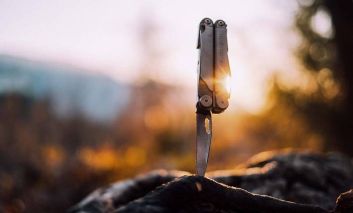 leatherman wave - best camping gifts