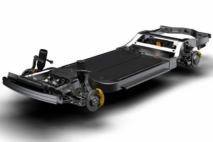2018_11_CHASSIS_front_34_edited1