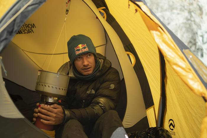 David Lama Climbs Lunag Ri Solo