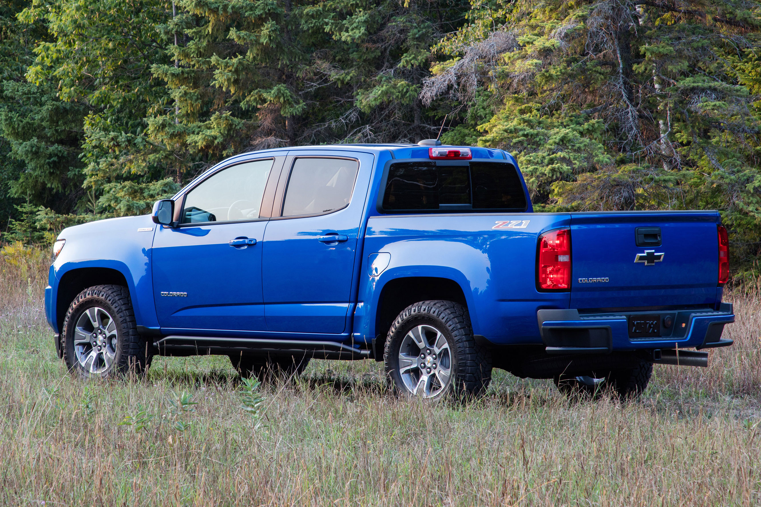 2019 Chevy Colorado ZR2 Bison Leads the Off-Road Charge ...