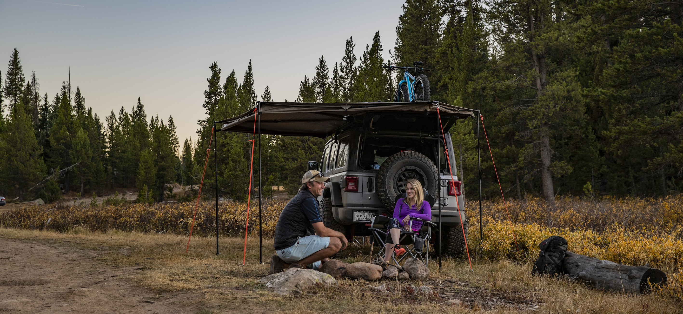 Add Shade To Small Vehicles Rhino Rack Batwing Compact Awning Gearjunkie