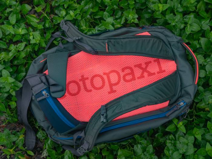 Cotopaxi Allpa 35L Pack backpack straps