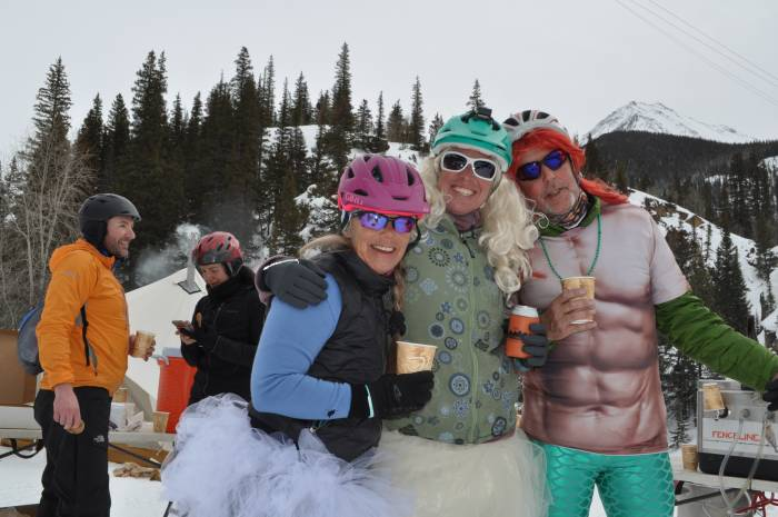 Cyclists at Silverton Whiteout rest stop